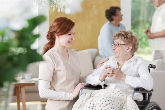 in-home-care-or-nursing-home-how-to-choose-senior-care